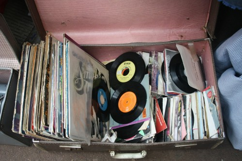 records-143468_1280